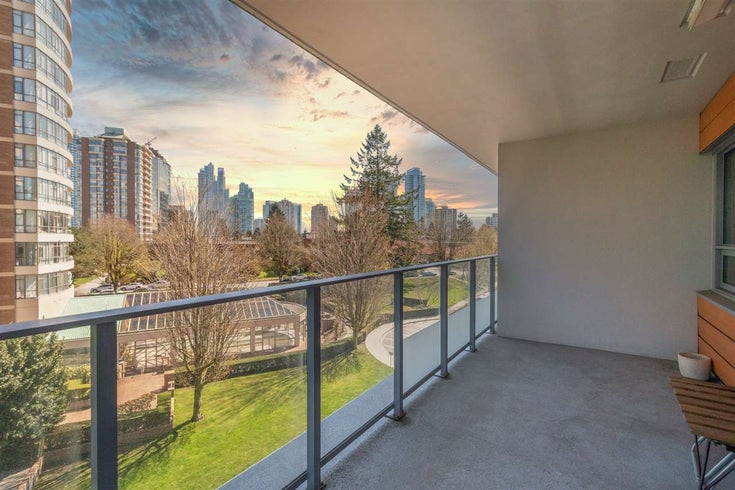501 5883 BARKER AVENUE - Metrotown Apartment/Condo for sale, 2 Bedrooms (R2567855)