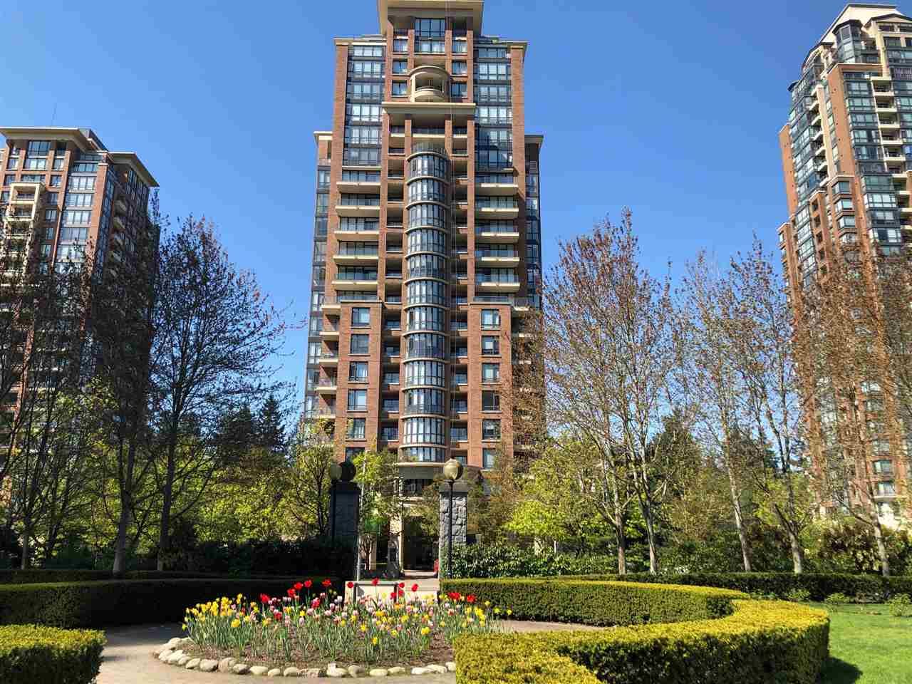 1106 6833 STATION HILL DRIVE - South Slope Apartment/Condo for sale, 2 Bedrooms (R2567940)