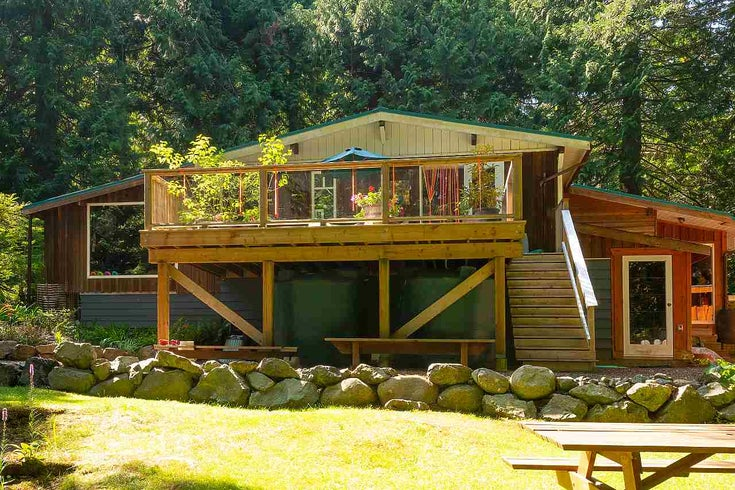 1353 MOUNT GARDNER ROAD - Bowen Island House with Acreage for sale, 2 Bedrooms (R2568085)