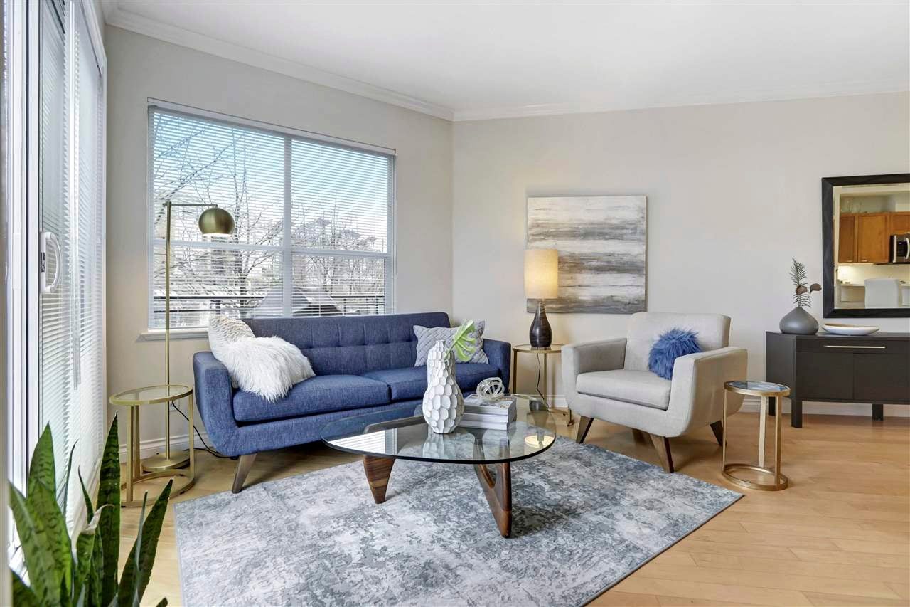 211 131 W 3RD STREET - Lower Lonsdale Apartment/Condo for sale, 2 Bedrooms (R2568468) - #1