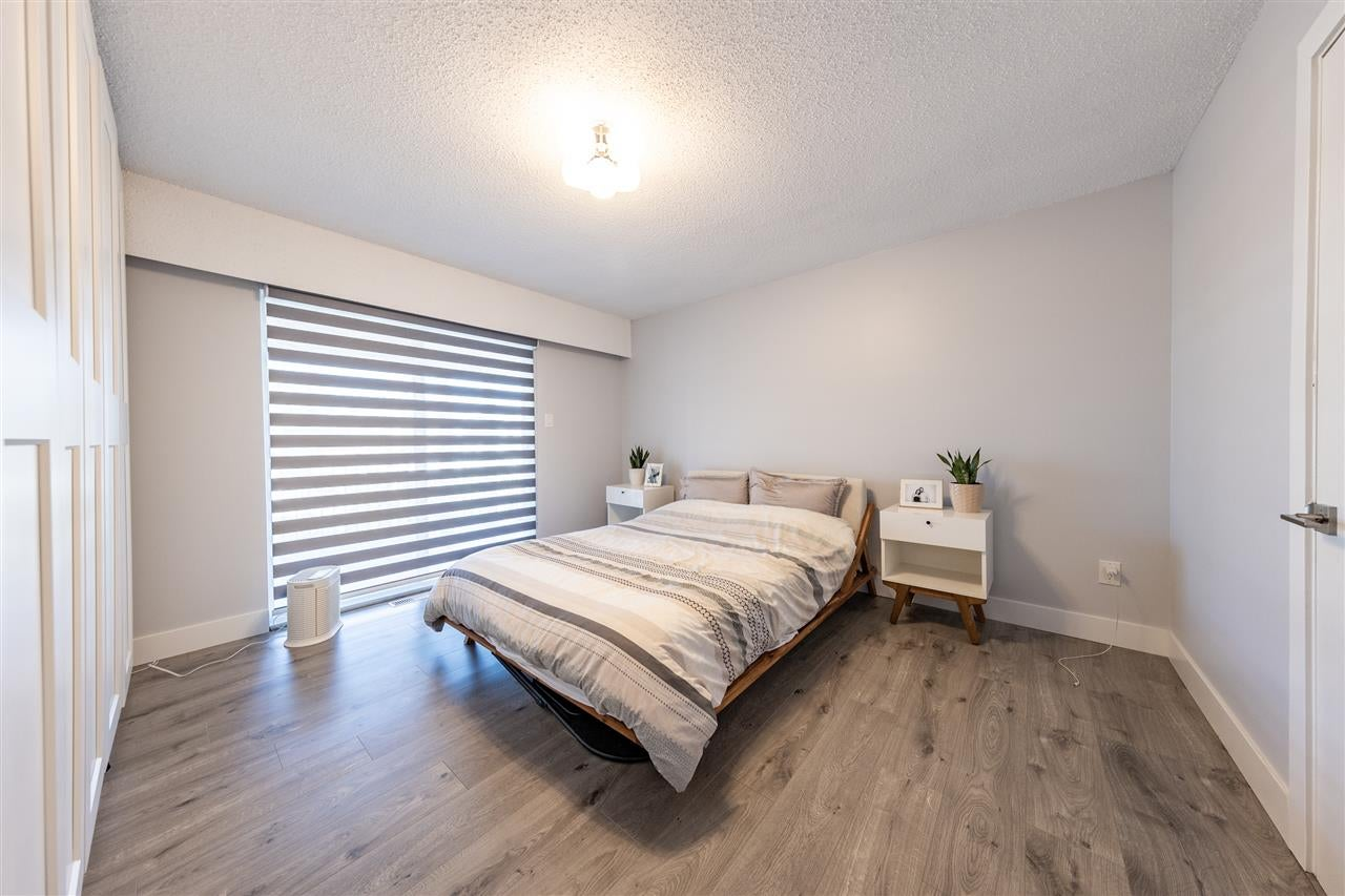 11818 99 AVENUE - Royal Heights House/Single Family for sale, 6 Bedrooms (R2568969) - #16