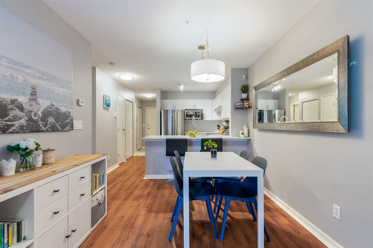 212 147 E 1ST STREET - Lower Lonsdale Apartment/Condo for sale, 1 Bedroom (R2568976) - #1