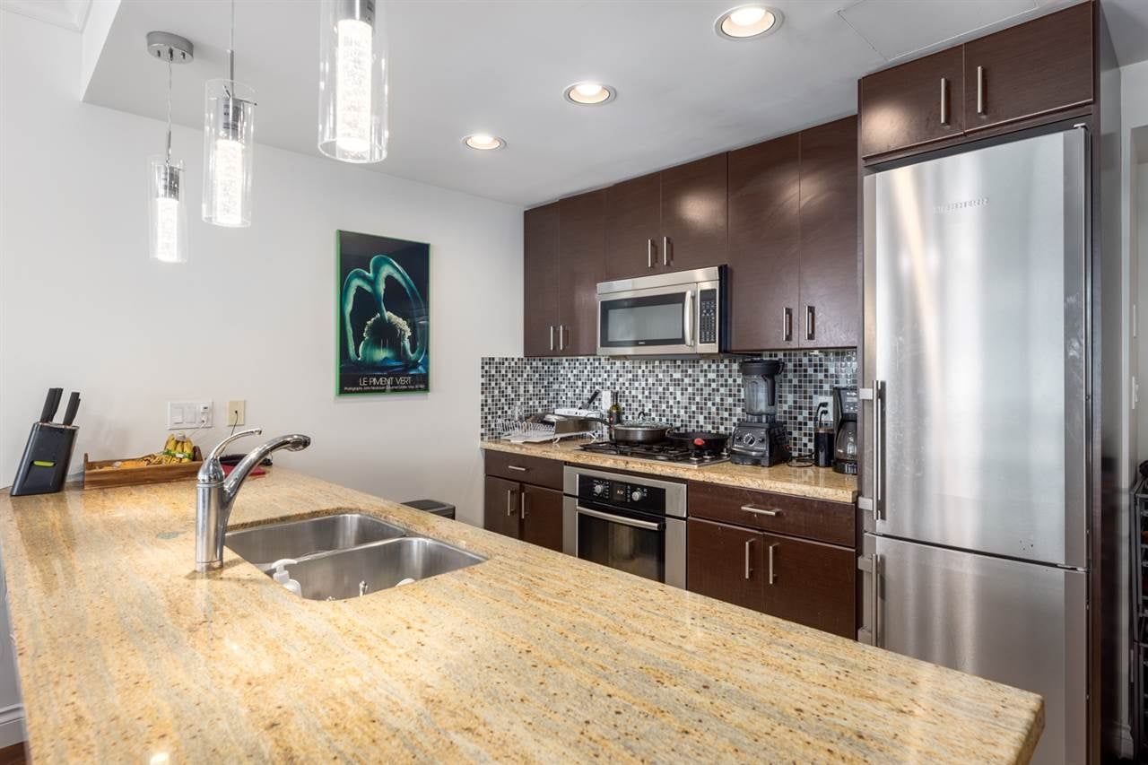 1005 162 VICTORY SHIP WAY - Lower Lonsdale Apartment/Condo for sale, 2 Bedrooms (R2569351) - #10