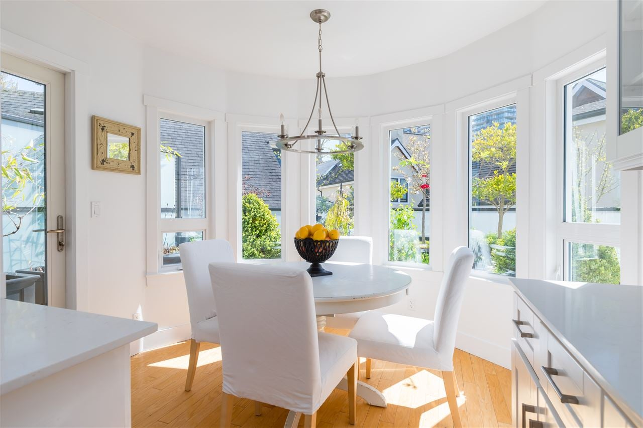 301 1480 COMOX STREET - West End VW Apartment/Condo for sale, 3 Bedrooms (R2569400)
