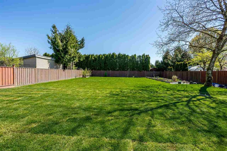 11822 GLENHURST STREET - Cottonwood MR House with Acreage for sale, 3 Bedrooms (R2569609)