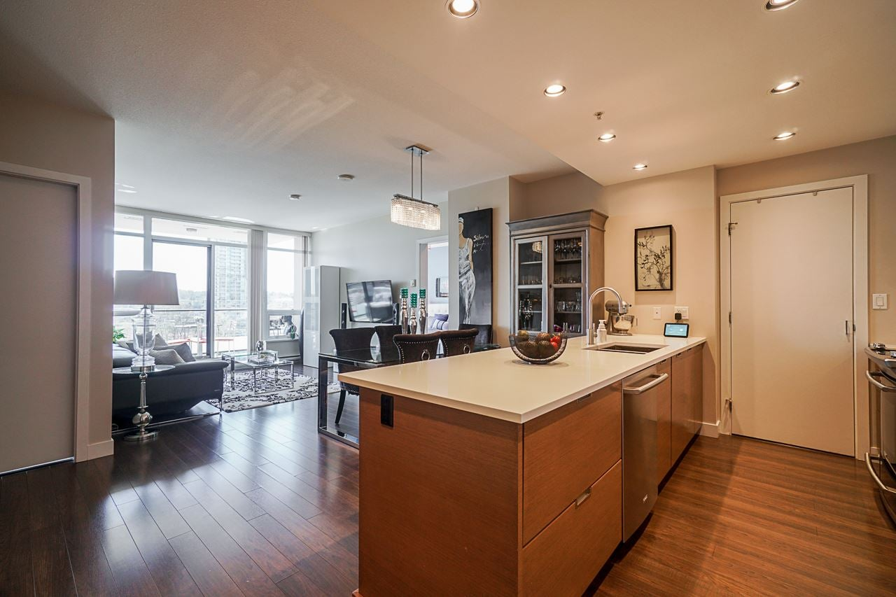 704 2077 ROSSER AVENUE - Brentwood Park Apartment/Condo for sale, 2 Bedrooms (R2569784) - #1