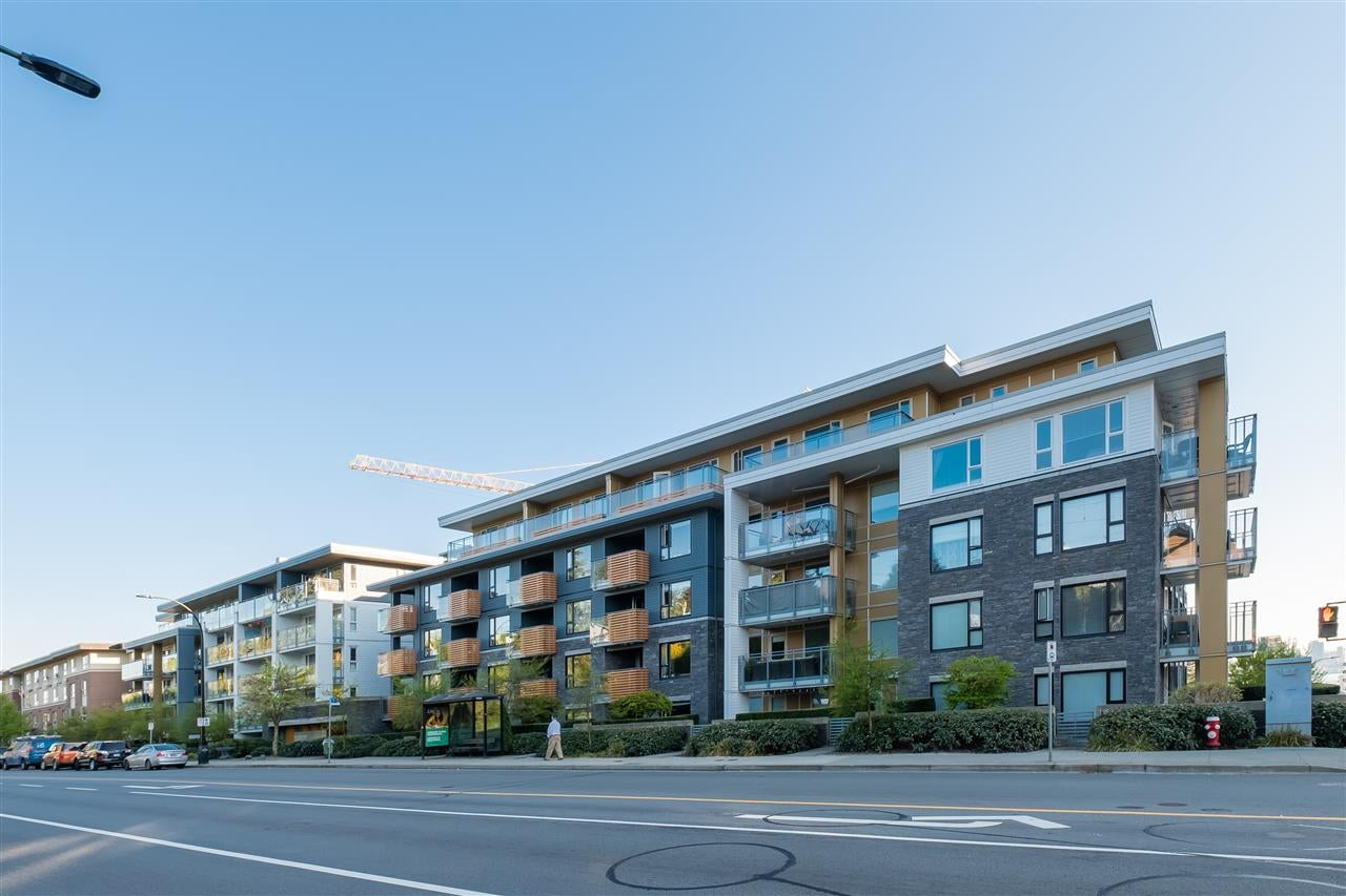 303 221 E 3RD STREET - Lower Lonsdale Apartment/Condo for sale, 2 Bedrooms (R2570264) - #1