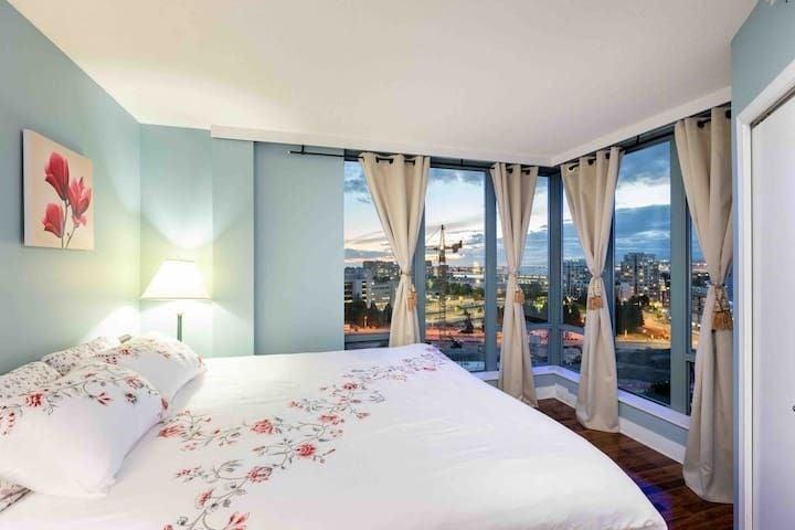 1601 5911 ALDERBRIDGE WAY - Brighouse Apartment/Condo for sale, 2 Bedrooms (R2570466) - #1