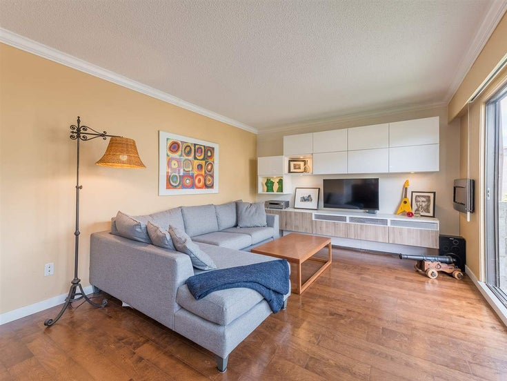 108 160 E 19TH STREET - Central Lonsdale Apartment/Condo for sale, 2 Bedrooms (R2570964)
