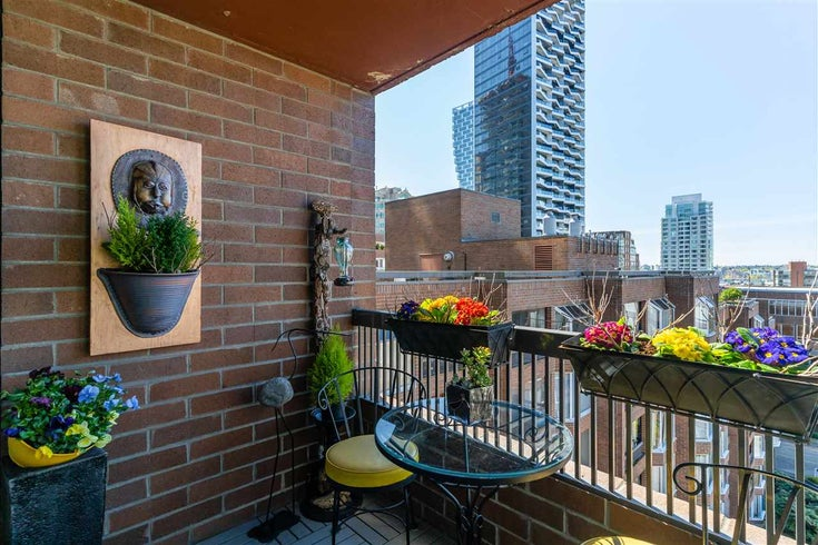 915 950 DRAKE STREET - Downtown VW Apartment/Condo for sale, 1 Bedroom (R2571057)
