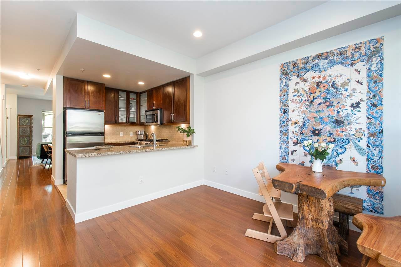 320 E 14TH STREET - Central Lonsdale Townhouse for sale, 3 Bedrooms (R2571301) - #10