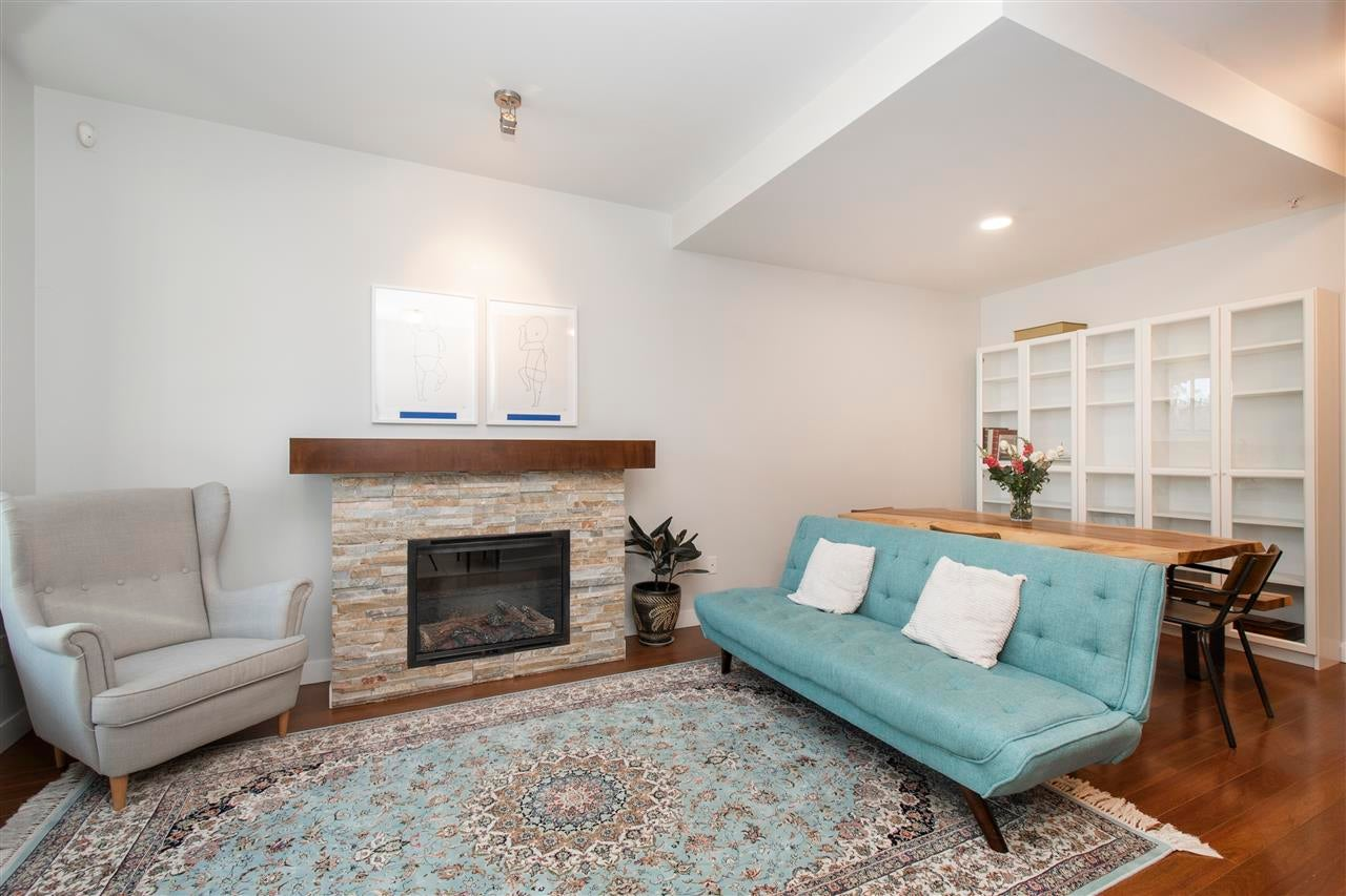 320 E 14TH STREET - Central Lonsdale Townhouse for sale, 3 Bedrooms (R2571301) - #3
