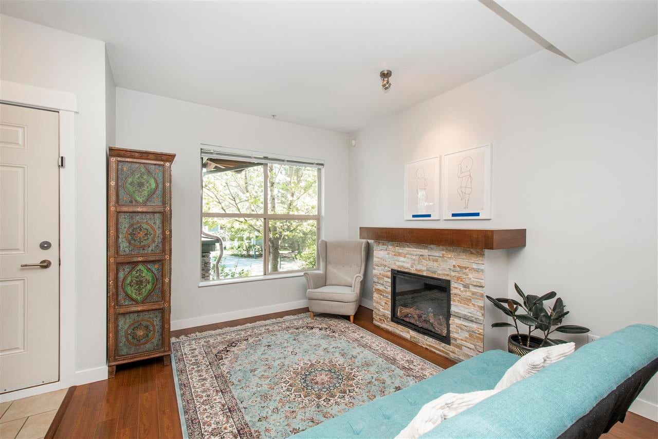 320 E 14TH STREET - Central Lonsdale Townhouse for sale, 3 Bedrooms (R2571301) - #4