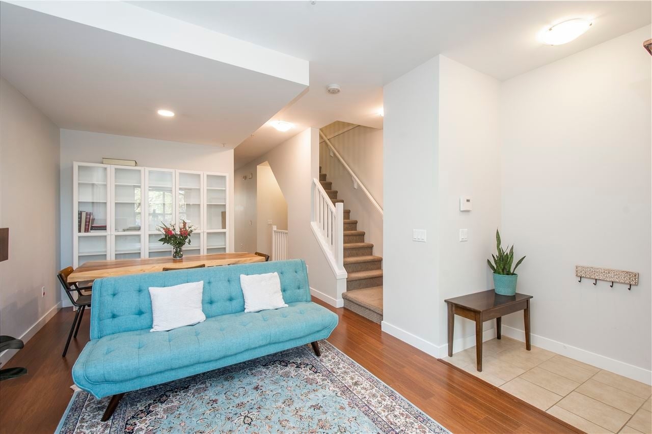 320 E 14TH STREET - Central Lonsdale Townhouse for sale, 3 Bedrooms (R2571301) - #5