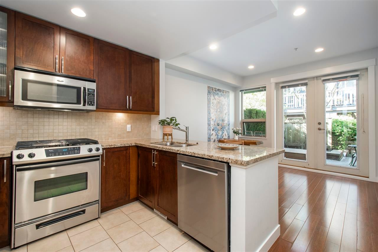 320 E 14TH STREET - Central Lonsdale Townhouse for sale, 3 Bedrooms (R2571301) - #7