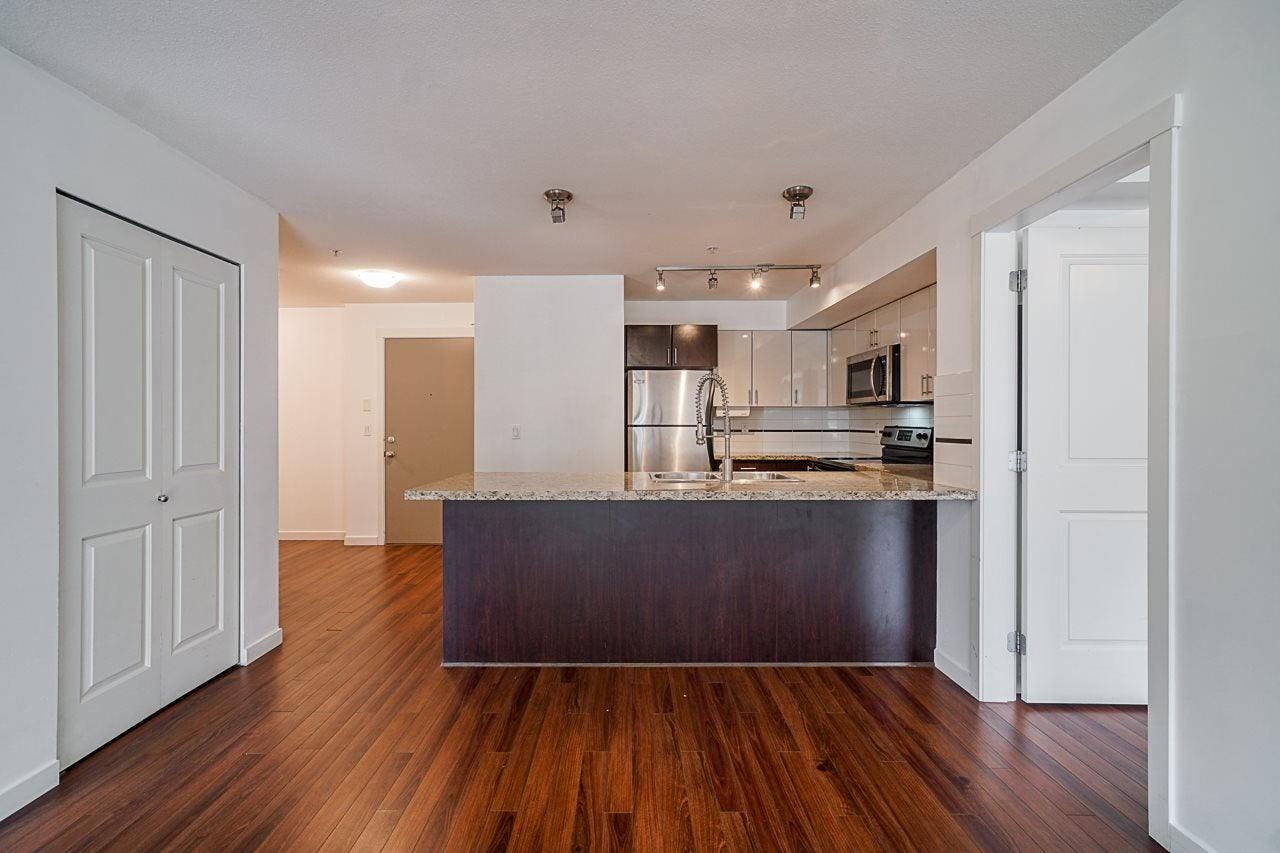 217 14960 102A STREET - Guildford Apartment/Condo for sale, 2 Bedrooms (R2571498) - #10