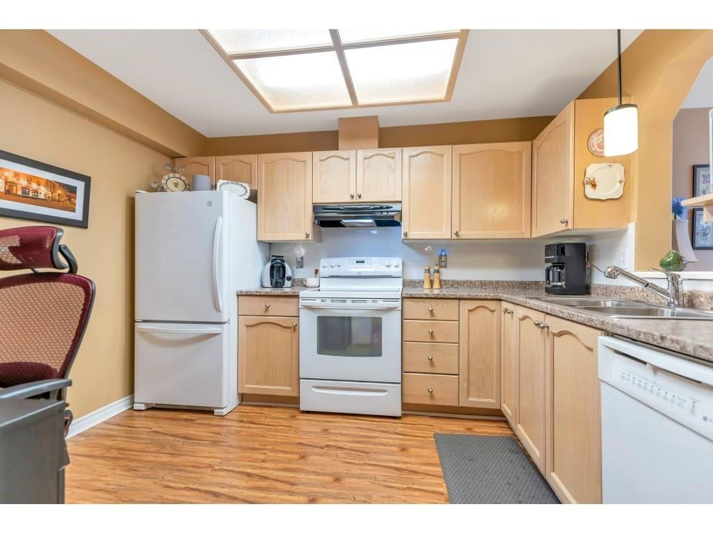 310 10038 150 STREET - Guildford Apartment/Condo for sale, 1 Bedroom (R2571966) - #12