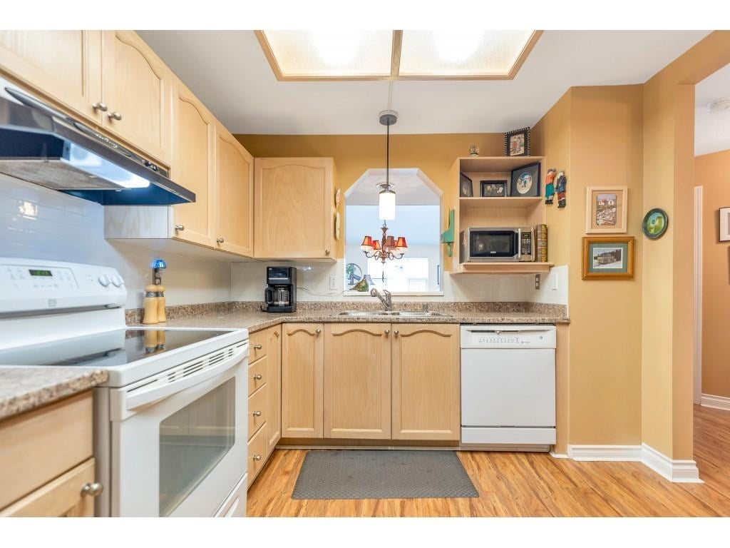 310 10038 150 STREET - Guildford Apartment/Condo for sale, 1 Bedroom (R2571966) - #13