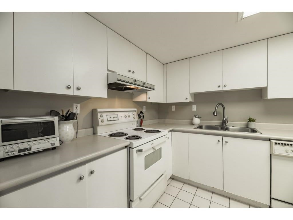 903 10082 148 STREET - Guildford Apartment/Condo for sale, 2 Bedrooms (R2572176) - #9