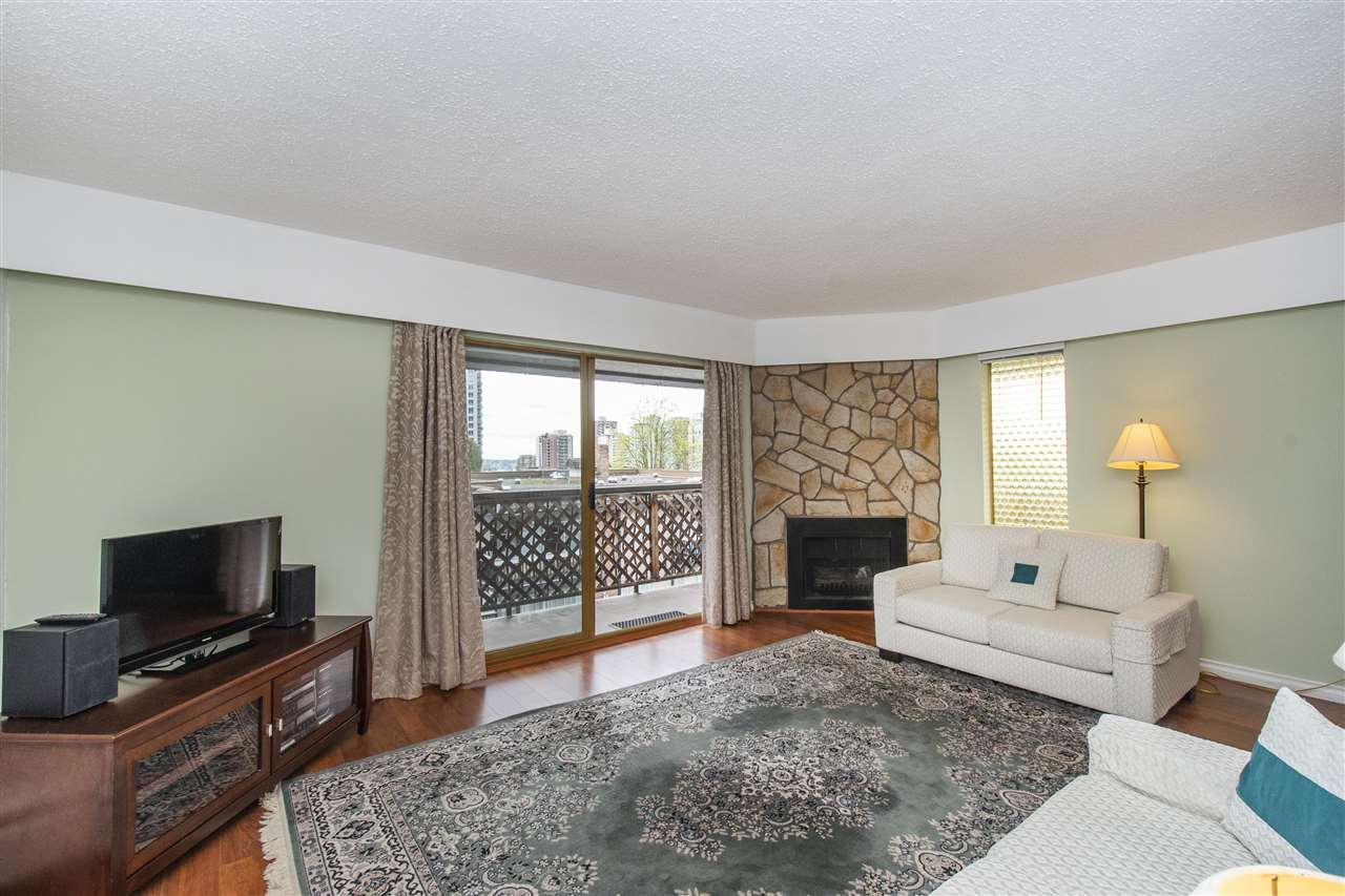 304 143 E 19TH STREET - Central Lonsdale Apartment/Condo for sale, 2 Bedrooms (R2573362) - #2