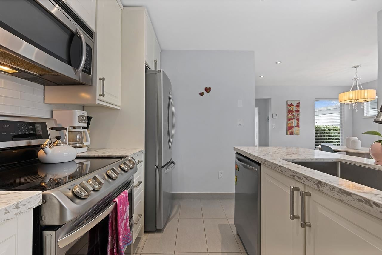332 E 6TH STREET - Lower Lonsdale 1/2 Duplex for sale, 3 Bedrooms (R2573600) - #10