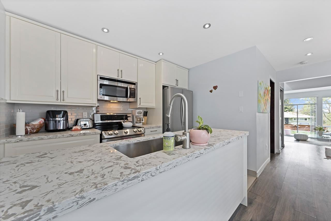 332 E 6TH STREET - Lower Lonsdale 1/2 Duplex for sale, 3 Bedrooms (R2573600) - #12