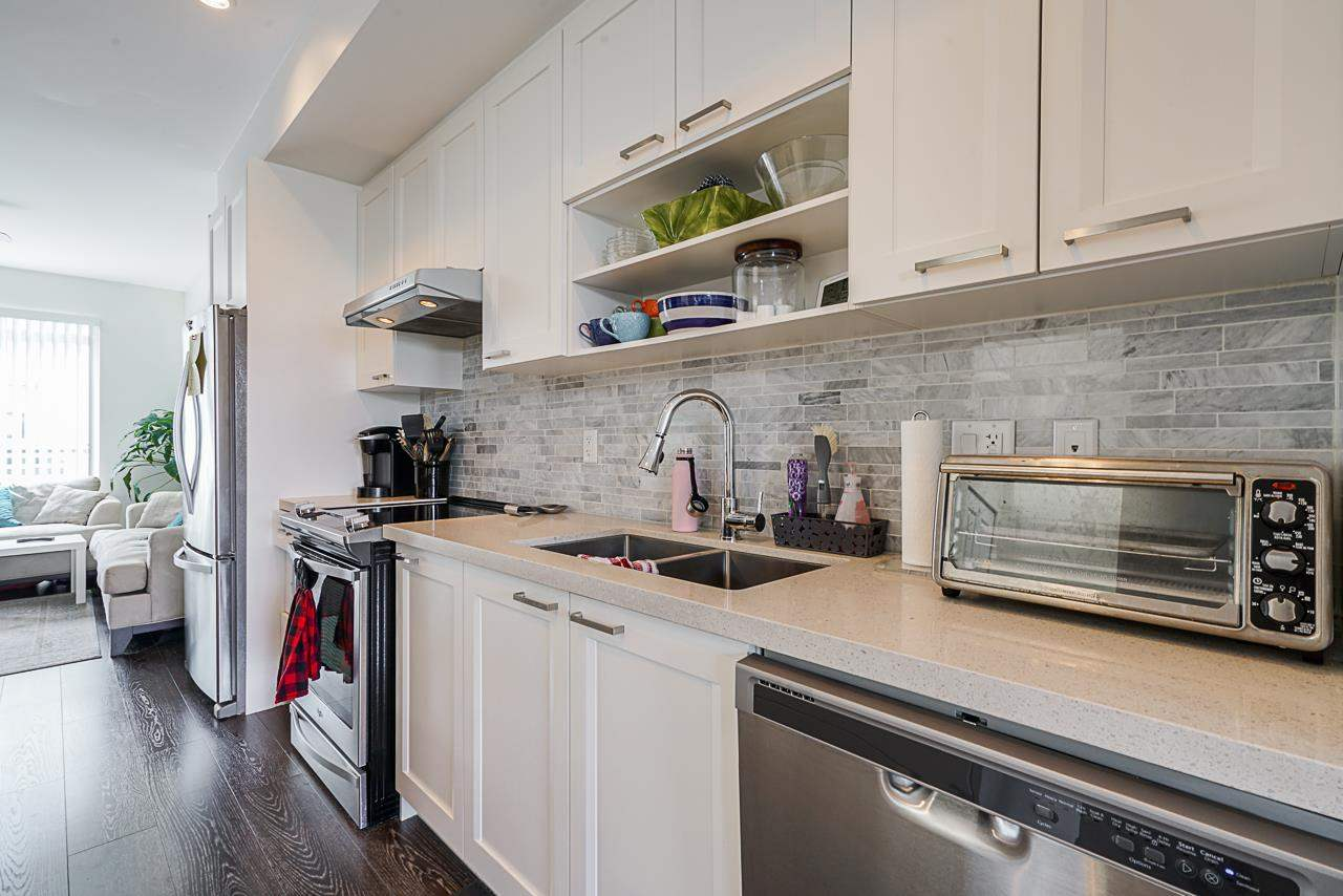 100 9989 E BARNSTON DRIVE - Fraser Heights Townhouse for sale, 3 Bedrooms (R2573730) - #9