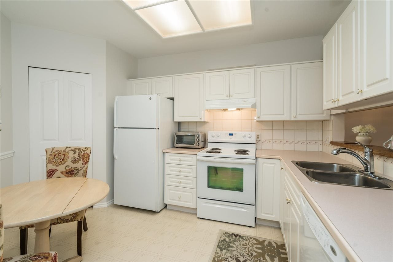 203 1255 BEST STREET - White Rock Apartment/Condo for sale, 2 Bedrooms (R2573950) - #16