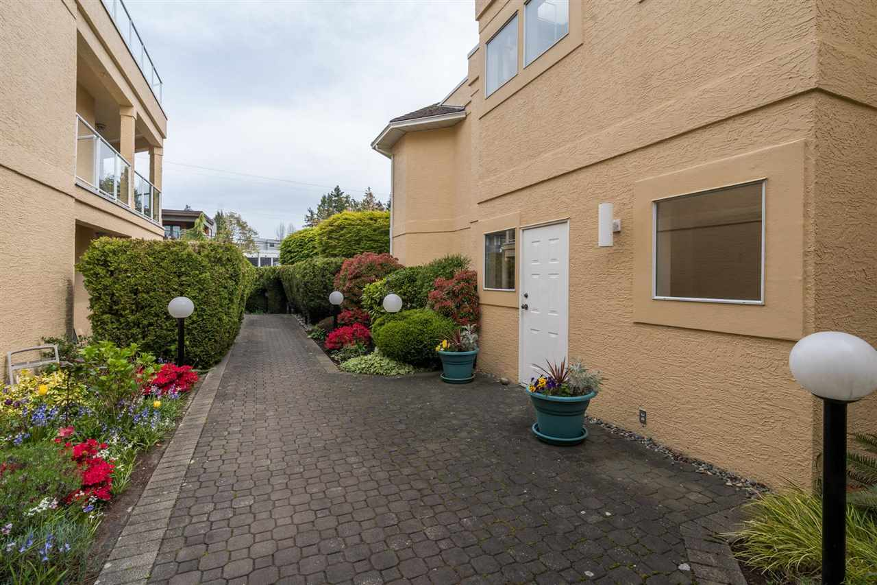 203 1255 BEST STREET - White Rock Apartment/Condo for sale, 2 Bedrooms (R2573950) - #35