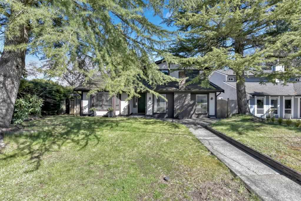 15819 101A AVENUE - Guildford House/Single Family for sale, 3 Bedrooms (R2574249) - #1