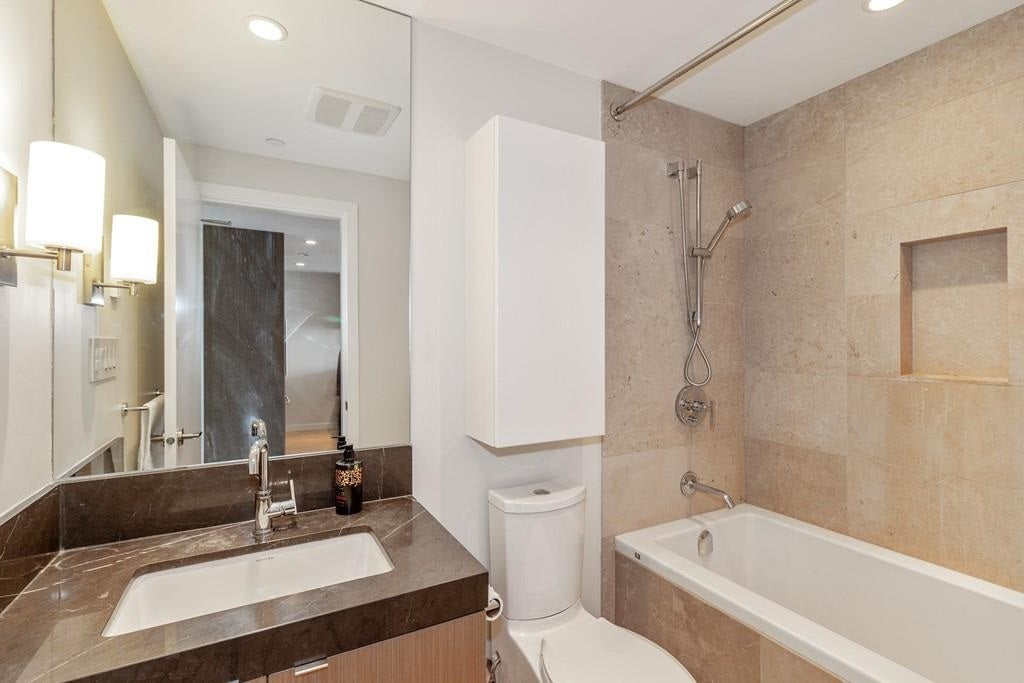 1105 125 E 14 STREET - Central Lonsdale Apartment/Condo for sale, 1 Bedroom (R2574288) - #15
