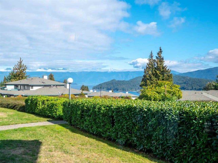 33 555 EAGLECREST DRIVE - Gibsons & Area Apartment/Condo for sale, 2 Bedrooms (R2574329)
