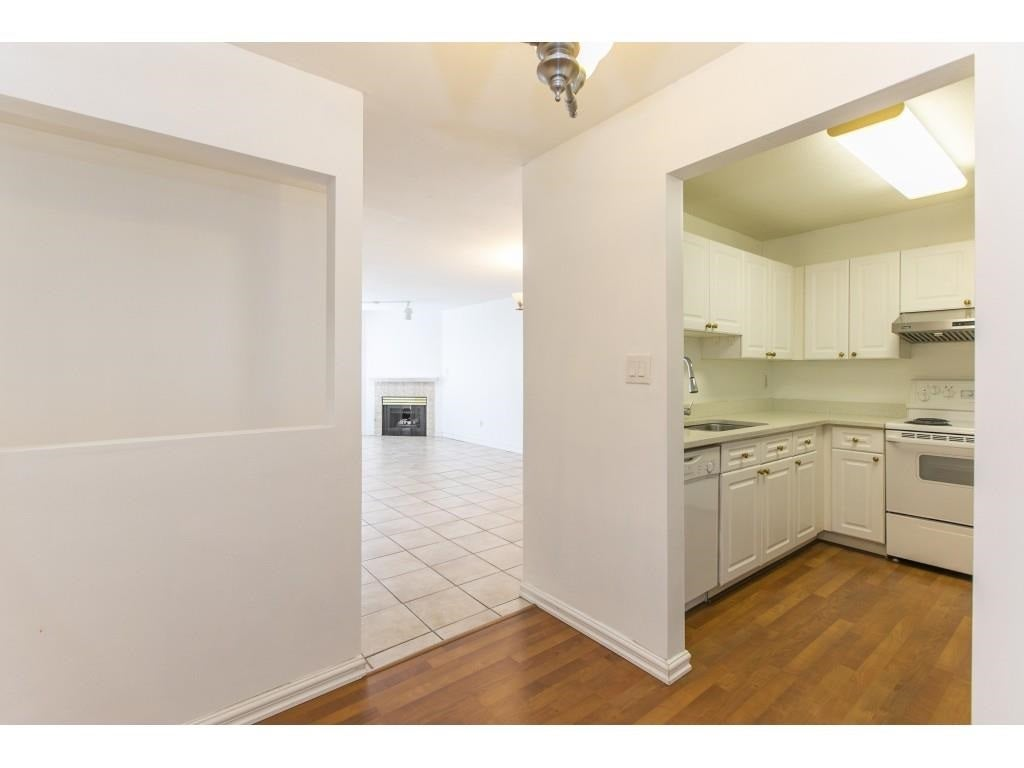 207 9946 151 STREET - Guildford Apartment/Condo for sale, 2 Bedrooms (R2574463) - #18