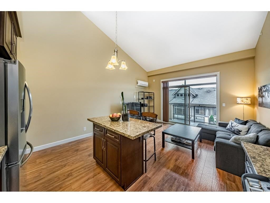 560 8258 207A STREET - Willoughby Heights Apartment/Condo for sale, 1 Bedroom (R2574490) - #12