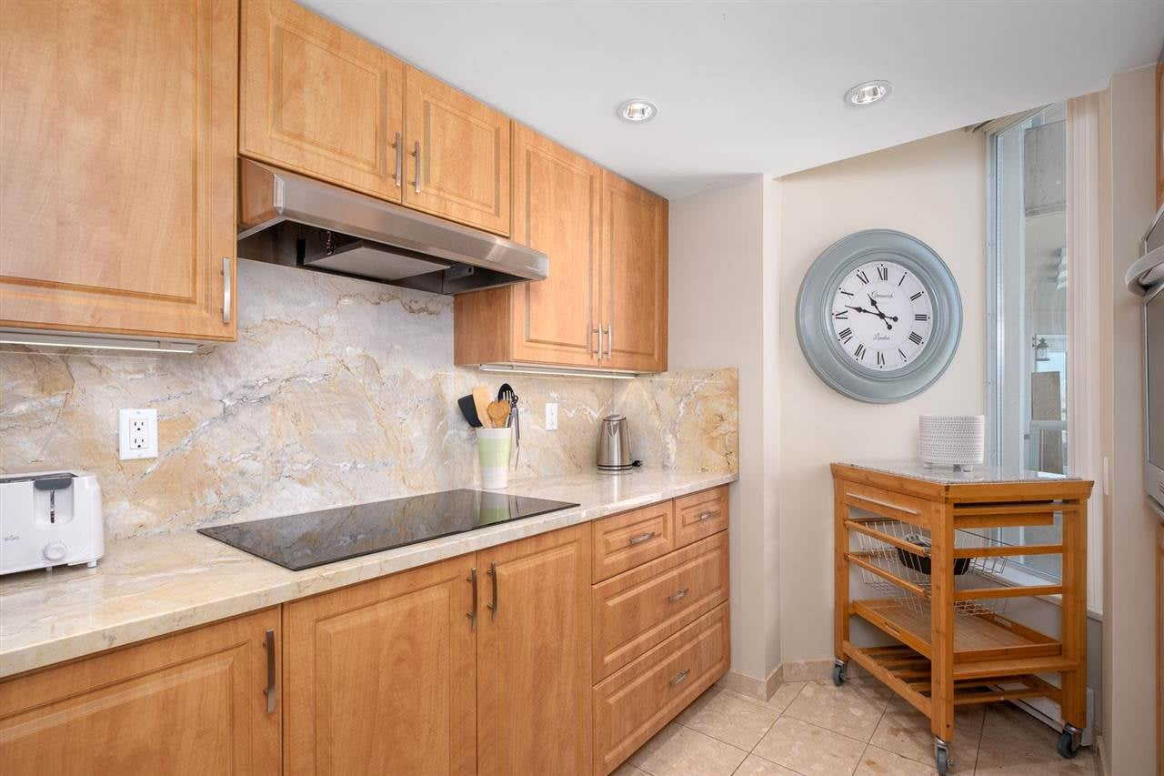 1002 168 CHADWICK COURT - Lower Lonsdale Apartment/Condo for sale, 2 Bedrooms (R2574690) - #9