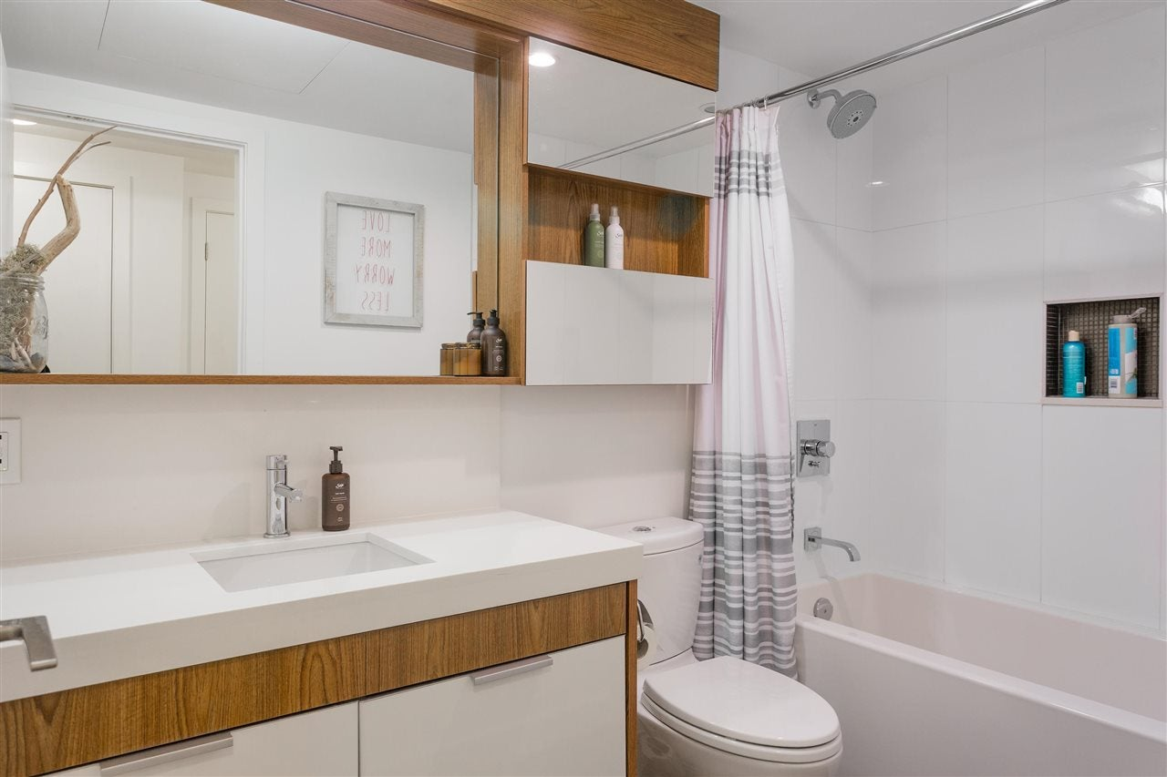 216 111 E 3RD STREET - Lower Lonsdale Apartment/Condo for sale, 1 Bedroom (R2574797) - #13