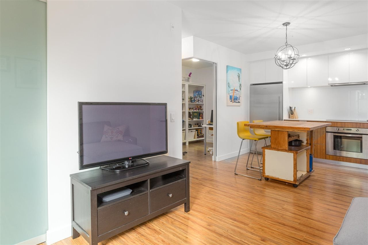 216 111 E 3RD STREET - Lower Lonsdale Apartment/Condo for sale, 1 Bedroom (R2574797) - #6