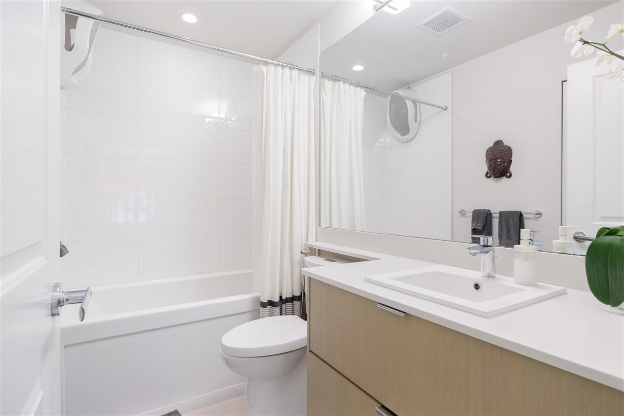 202 277 W 1ST STREET - Lower Lonsdale Apartment/Condo for sale, 2 Bedrooms (R2574855) - #14