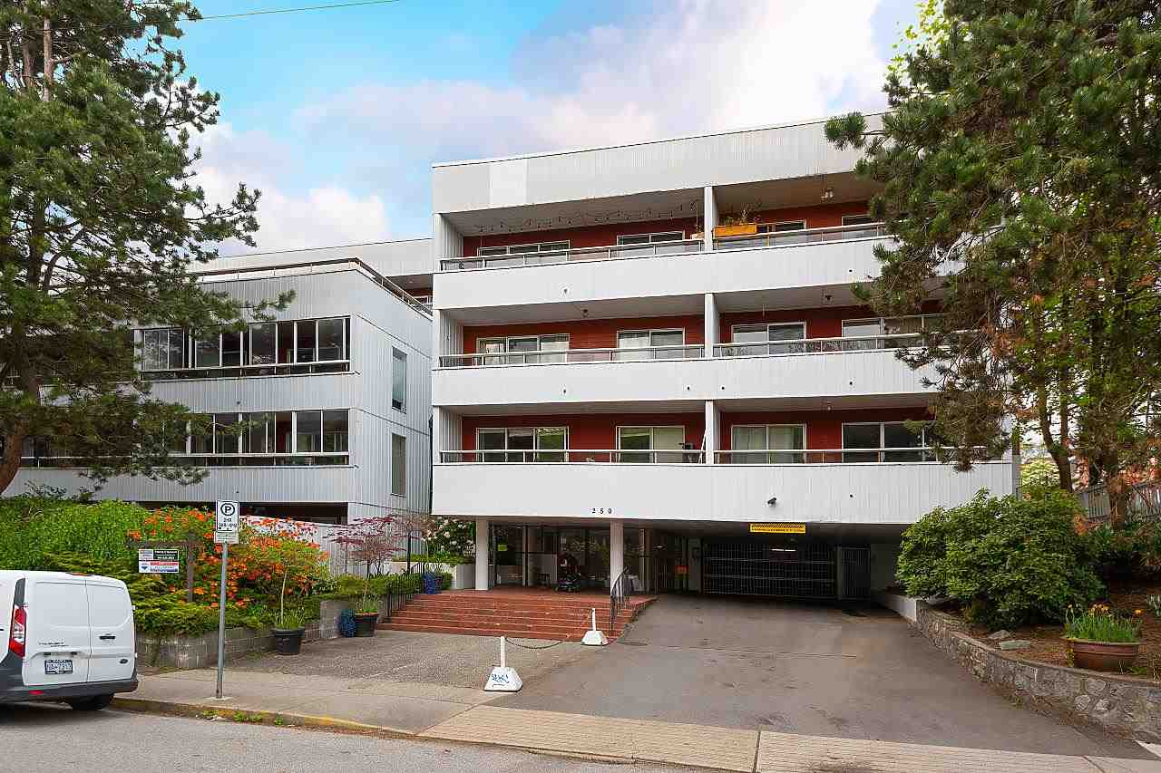 102 250 W 1ST STREET - Lower Lonsdale Apartment/Condo for sale, 1 Bedroom (R2575153) - #1