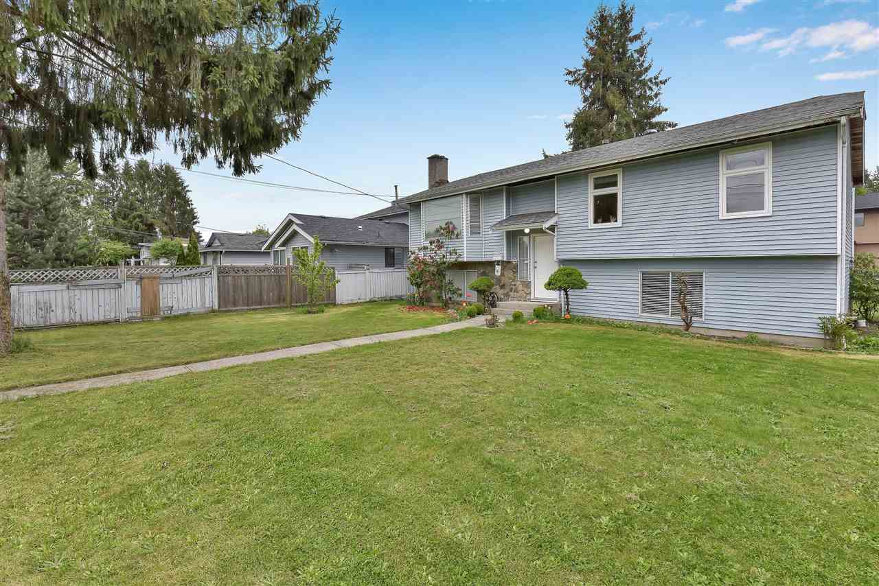 14888 96 AVENUE - Fleetwood Tynehead House/Single Family for sale, 7 Bedrooms (R2575154) - #1