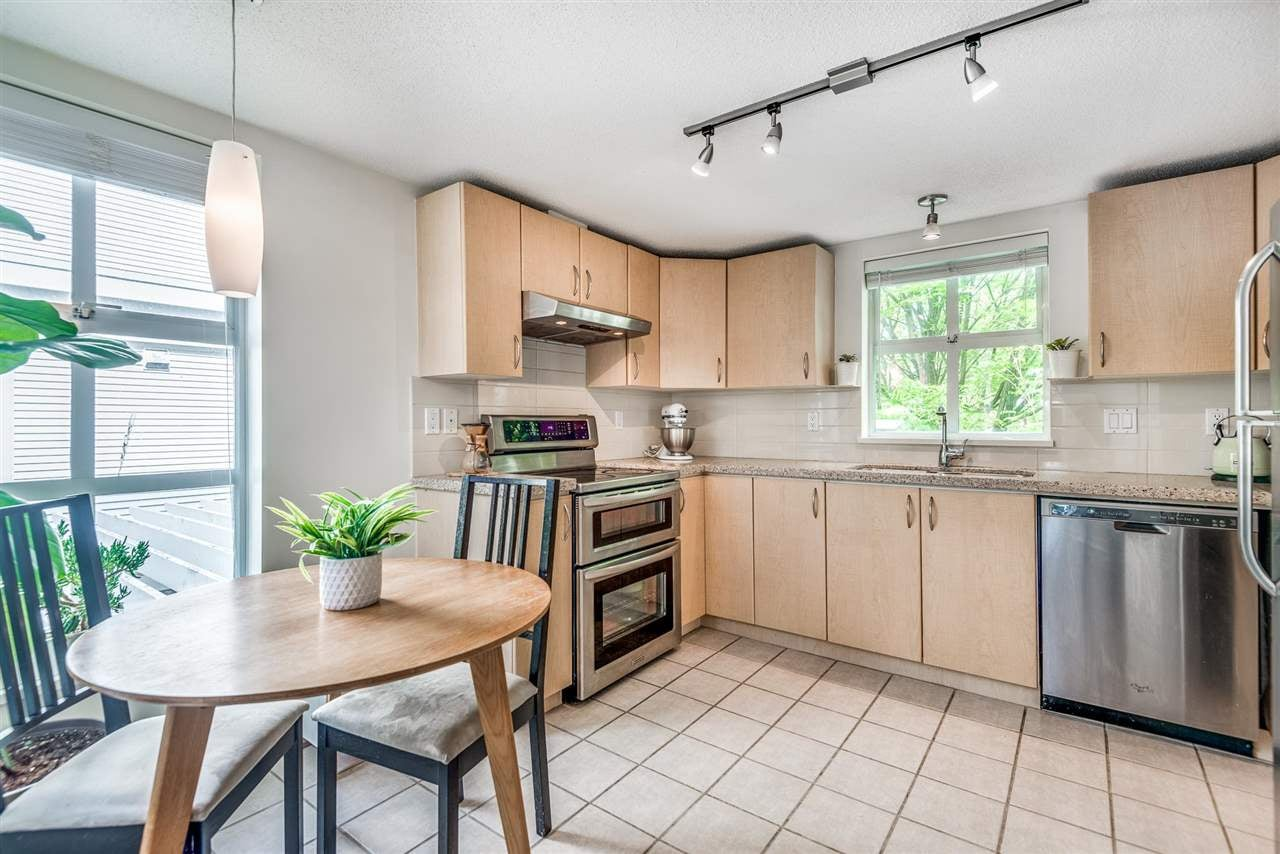 211 147 E 1ST STREET - Lower Lonsdale Apartment/Condo for sale, 2 Bedrooms (R2575314) - #2