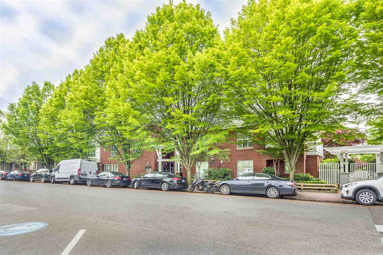 211 147 E 1ST STREET - Lower Lonsdale Apartment/Condo for sale, 2 Bedrooms (R2575314) - #24
