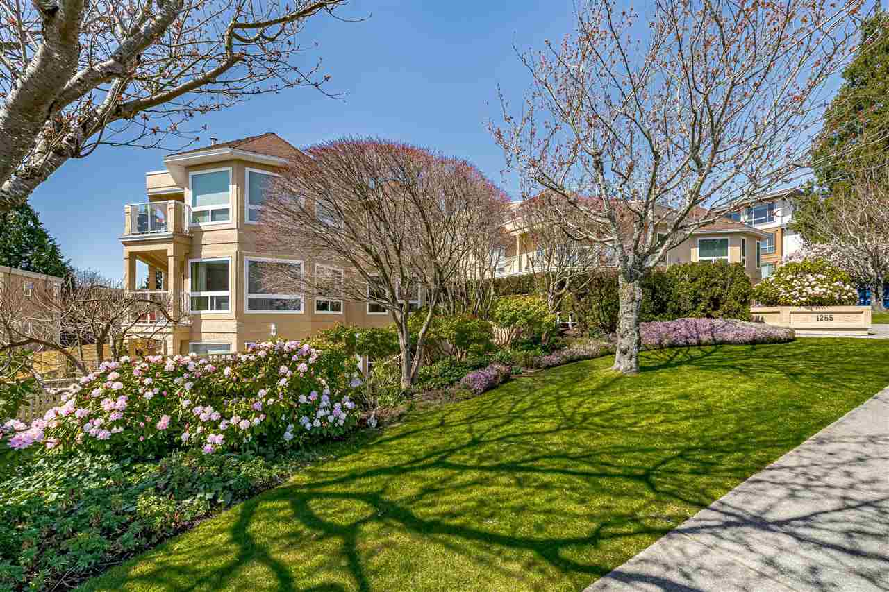 104 1255 BEST STREET - White Rock Apartment/Condo for sale, 2 Bedrooms (R2575424) - #1