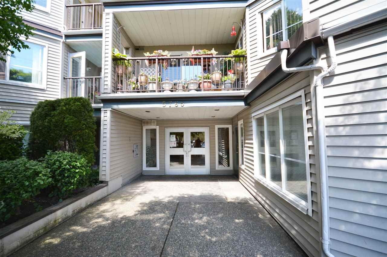 110 5765 GLOVER ROAD - Langley City Apartment/Condo for sale, 1 Bedroom (R2575497) - #1
