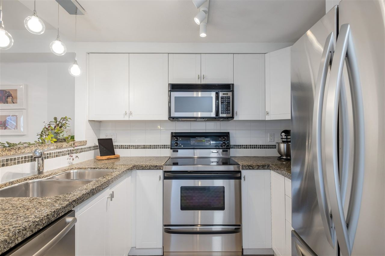 9 1073 LYNN VALLEY ROAD - Lynn Valley Townhouse for sale, 2 Bedrooms (R2575517) - #1