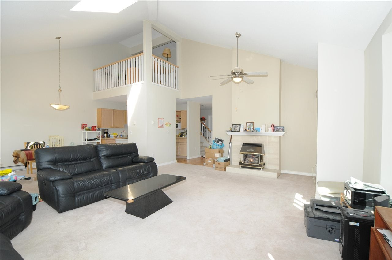 213 19721 64 AVENUE - Willoughby Heights Apartment/Condo for sale, 3 Bedrooms (R2575760) - #2