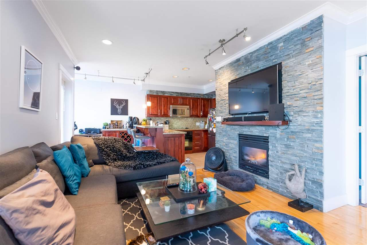 203 118 W 22ND STREET - Central Lonsdale Apartment/Condo for sale, 1 Bedroom (R2575769) - #3