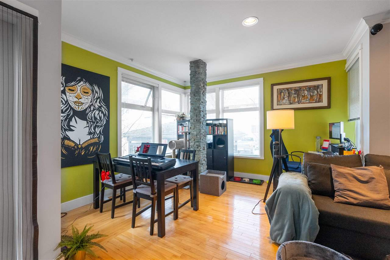203 118 W 22ND STREET - Central Lonsdale Apartment/Condo for sale, 1 Bedroom (R2575769) - #4
