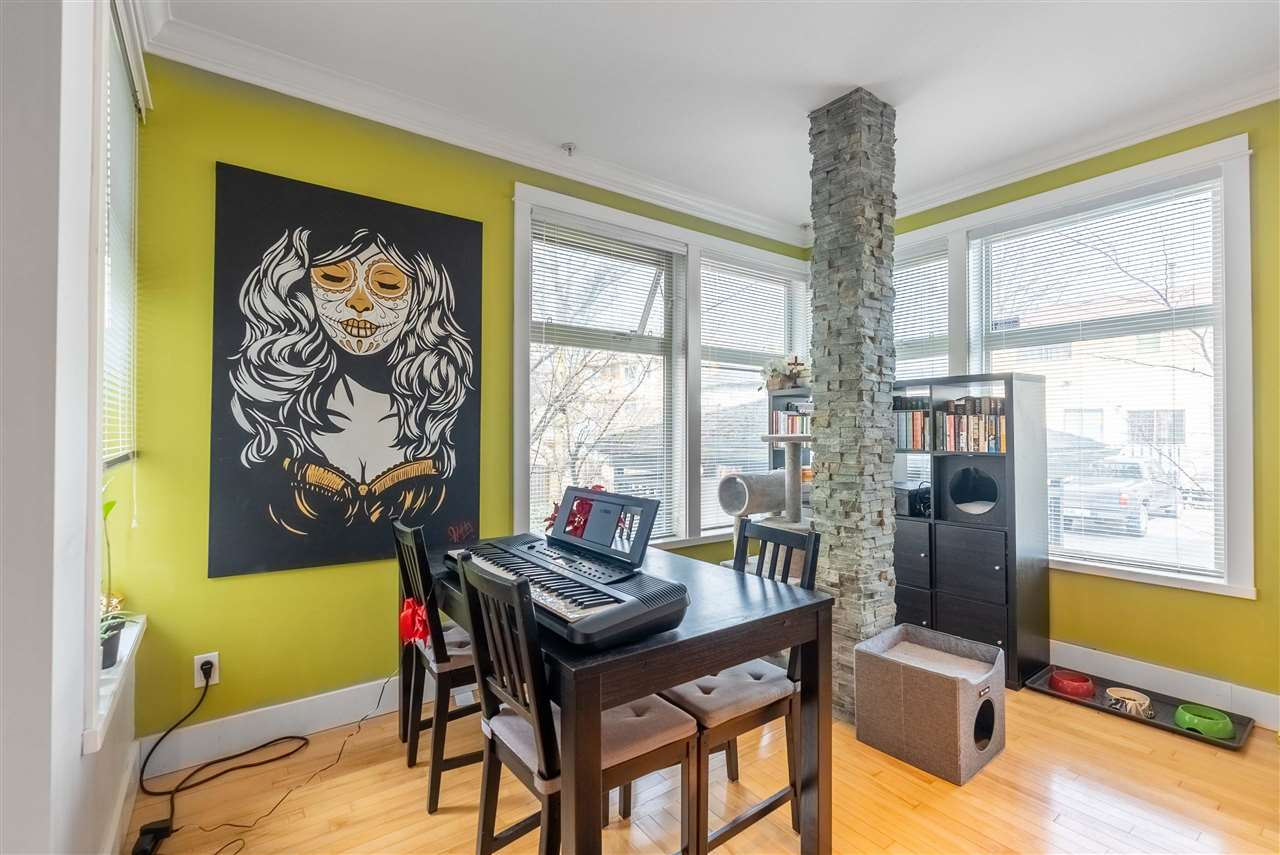 203 118 W 22ND STREET - Central Lonsdale Apartment/Condo for sale, 1 Bedroom (R2575769) - #5