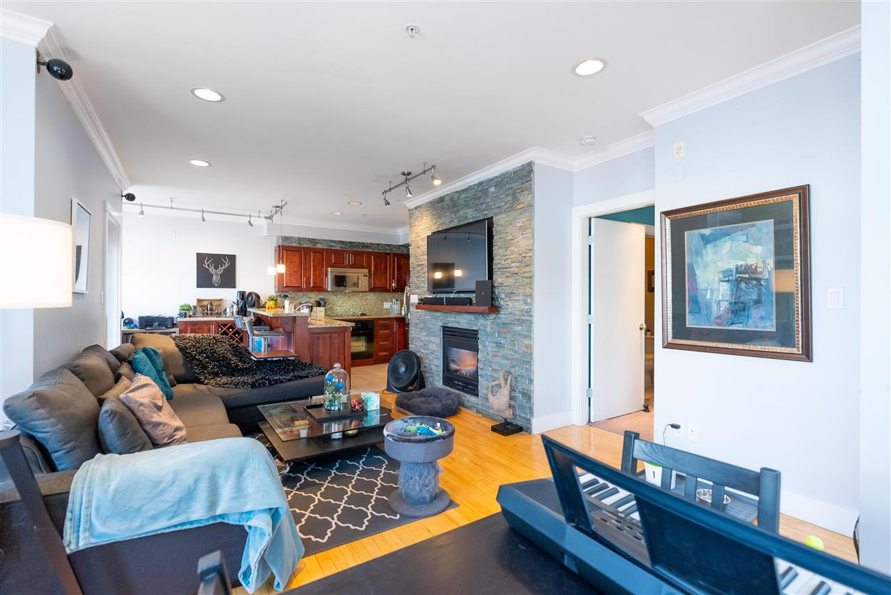 203 118 W 22ND STREET - Central Lonsdale Apartment/Condo for sale, 1 Bedroom (R2575769) - #6